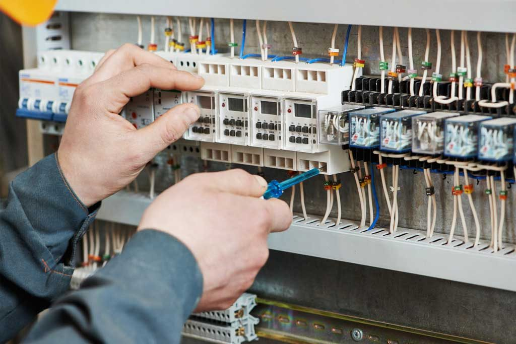 interdeco-electricite-maintenance